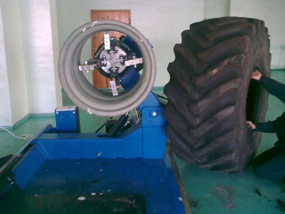 Шиномонтажный станок для грузовых автомобилей Ш515ЕУ