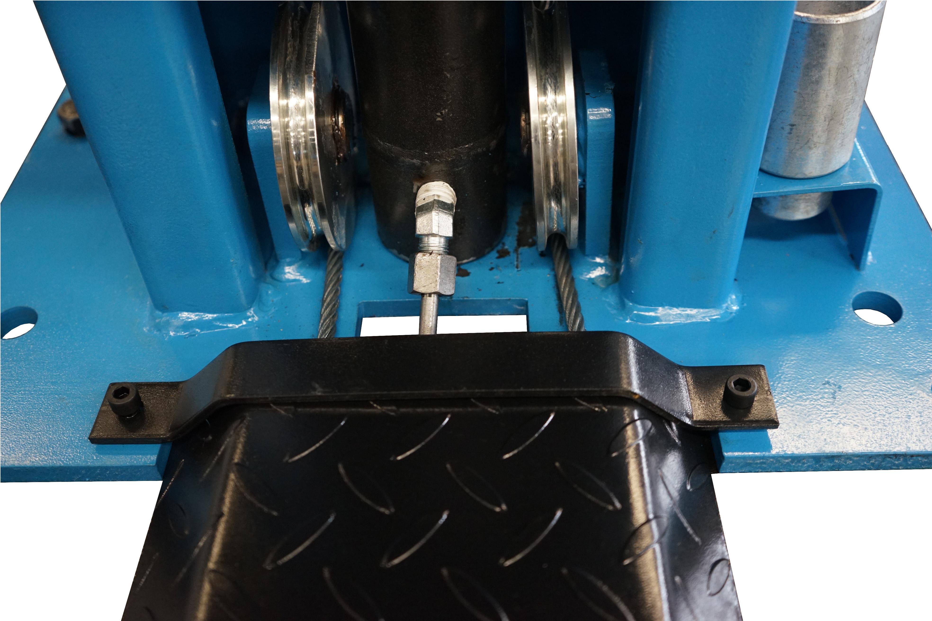 Подъемник двухстоечный с основанием TD4000R