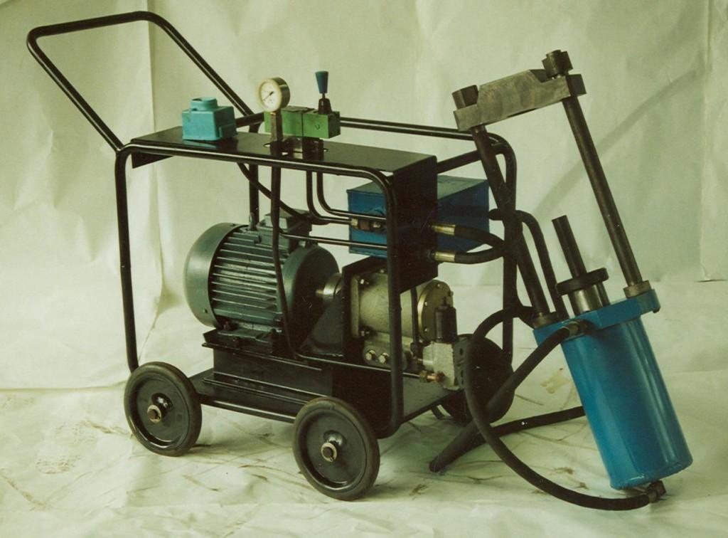Выпрессовщик шкворней, 40 т (шкворнедав) П-5